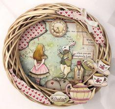 Alice In Wonderland Artwork, Alice In Wonderland Crafts, Alice In Wonderland Illustrations, Alice In Wonderland Characters, Adventures In Wonderland, Wonderland Party, Rice Paper Decoupage, Matchbox Crafts, Sewing Room Design