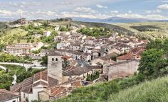 Panorámica de Sepúlveda, provincia de Segovia - Al fondo las cumbres del Sistema Central