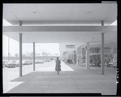Northland Shopping Center, corner of West Florissant Avenue and Lucas-Hunt Road. Photograph by Henry T. (Mac) Mizuki, 1957. Mac Mizuki Photography Studio Collection, Missouri History Museum. | collections.mohistory.org