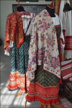 В костромском музее ... Russian peasant dress ...