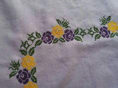 This Pin was discovered by Ayf Cross Stitch Art, Hand Embroidery, Diy And Crafts, Alphabet, Crochet, Floral, Cross Stitch Borders, Cross Stitch Rose, Crochet Flowers