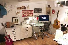Studio space of Darren Booth via hermanmiller.com