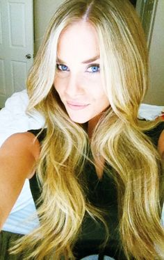 Victoria Secret waves with middle part #hair
