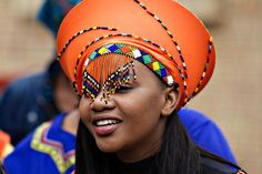 Zulu makoti with her traditional veil African Fashion Designers, African Men Fashion, African Fashion Dresses, Traditional Wedding, Traditional Outfits, African Hats, African Clothes, Shweshwe Dresses, African Accessories
