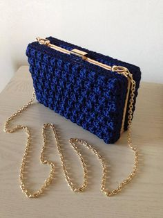 Amazing crochet handbags from Italian designer Fascino di Luna Creazioni Hand Made.