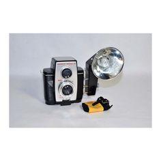 Vintage 1960's camera w/ flash bulb
