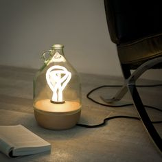Dama Table Lamp (produced by Lucirmás) by Tom Allen, via Behance