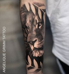 Beautiful lion tattoo by lill Lion Forearm Tattoos, Calf Tattoo, Feather Tattoos, Body Art Tattoos, Girl Tattoos, Tattoos For Guys, Grace Tattoos, Forarm Tattoos, Dope Tattoos