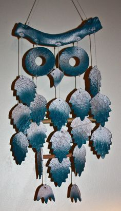 Great ceramic assignment idea - students construct wind chimes developed from an animal or insect of their choice. Hand Built Pottery, Slab Pottery, Ceramic Pottery, Ceramic Wall Art, Ceramic Clay, Ceramics Projects, Clay Projects, Owl Crafts, Clay Crafts