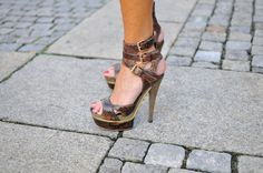 Animal print gucci shoes