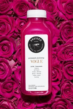 Pressed Juicery - Vogue Pink Lemonade Made with antioxidant-rich superfoods like pitaya, goji berries & rose water, perfect for the ultimate glow. Fun Drinks, Healthy Drinks, Healthy Food, Beverages, Healthy Recipes, Champagne Gummy Bears, Benefits Of Berries, Hydrating Drinks, Fruit Infused Water