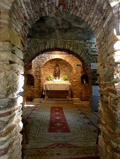 The Tomb of Virgin Mary's final resting place at the last house, that the Virgin Mary lived in after the Crucifixion - Kusadasi, Ephesus, Izmir, Turkey. Kusadasi, Places Around The World, The Places Youll Go, Places To See, Terra Santa, Ephesus, Turkey Travel, Chapelle, Place Of Worship