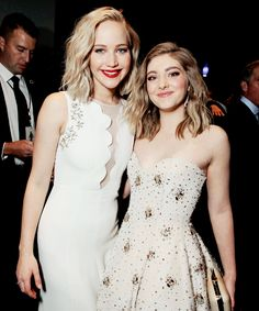 """Jennifer Lawrence and Willow Shields 