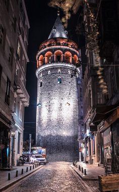 Galata tower,Istanbul - Ana Maria Guzman - - Wallpaper World Iphone Wallpaper 4k, Iphone Wallpaper Pinterest, Travel Wallpaper, Galaxy Wallpaper, Lock Screen Wallpaper, Phone Wallpapers, Istanbul Wallpaper, Wonderful Places, Beautiful Places