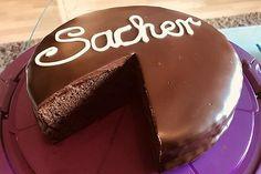 Burgis Sachertorte - eine wienerische Variante | Chefkoch Pudding, Cake, Desserts, Food, Cooking, Cake Ideas, Dessert Ideas, Food Portions, Food Food