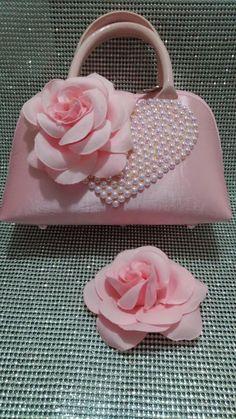 Pink Wedding Gowns, Patchwork Bags, Diy Hair Accessories, Flower Crafts, Handmade Bags, Diy Hairstyles, Sewing Hacks, Fascinator, Pretty In Pink