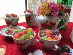Jeito criativo e bonito de utilizar o jogo de chá