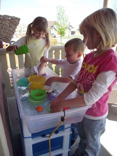 Simple DIY Kids water table - great for back yard or smaller spaces like the porch