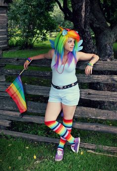 Rainbow Dash MLP Cosplay http://geekxgirls.com/article.php?ID=2989