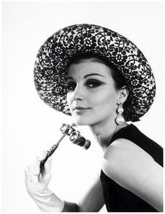 Model Hat Photo Walter Blum 1950's b