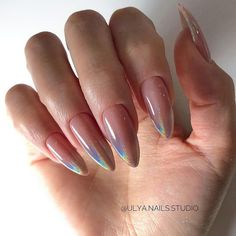 False nails have the advantage of offering a manicure worthy of the most advanced backstage and to hold longer than a simple nail polish. The problem is how to remove them without damaging your nails. Perfect Nails, Gorgeous Nails, Pretty Nails, Nail Polish, Nail Manicure, Manicure Ideas, Almond Nails Designs, Nail Designs, Hair And Nails