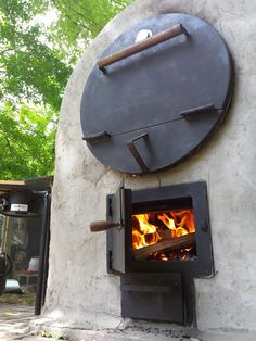 Trying to find a great camp stove for hiking or camping? Read our take on the Texsport Barren Compact Lightweight single burner propane stove today. Wood Oven, Wood Fired Oven, Pizza Oven Outdoor, Outdoor Cooking, Outdoor Kitchens, Bakers Oven, Barrel Stove, Oven Diy, Bread Oven