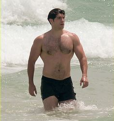 New Pic!! Henry Cavill em Miami Beach na Flórida, no sábado dia 27 de Agosto!! #Superman #AlwaysHenryCavillBrasil (By Just Jared)