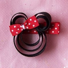 Items similar to Minnie Mouse Clippie Hair Bow Polka Dot Hairbow on Etsy Pink Minnie, Mickey Minnie Mouse, Disney Diy, Disney Crafts, Barrettes, Kanzashi, Ribbon Sculpture, Ribbon Crafts, Fabric Flowers