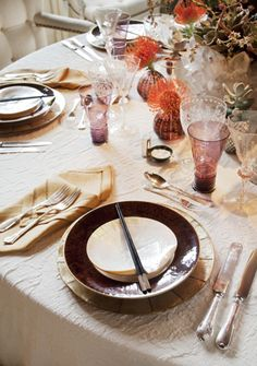 Lovely Thanksgiving table layout