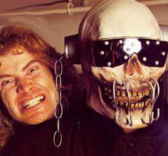 Dave Mustaine & Vic Rattlehead La Mascota de Megadeth