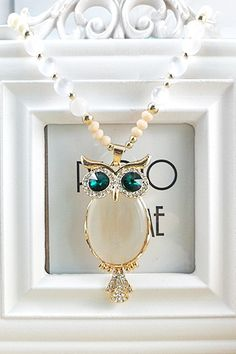 White Opal Decorated Owl-Shaped Necklace