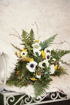 Winter bouquet of ferns, ivy berries, anemones and narcissi // Photography Jennie Hill Photography // The Natural Wedding Company Fern Wedding, Bright Wedding Flowers, Vintage Wedding Flowers, Winter Wedding Flowers, Forest Wedding, Winter Bridal Bouquets, Winter Bouquet, Wedding Flower Pictures, September Wedding Flowers