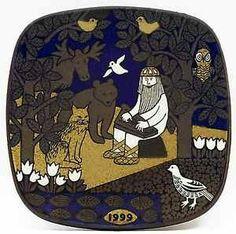 Arabia Finland: Kalevala wall plate Finnish by MyVintagePorcelain Plates On Wall, Finland, Home Art, Mythology, Scandinavian, Kids Rugs, Illustration, Handmade, Stuff To Buy
