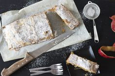My grandma used to make apple strudel as a treat for us when we were little. I share her easy and quick recipe with you which we also reminds me of my summer holidays in South Tyrol. Strudel Recipes, Apple Strudel, Look What I Made, Quick Recipes, Banana Bread, Treats, Fish, Cooking, Breakfast