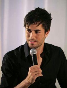 Enrique Iglesias for Azzaro Pour Homme Distant Love, Free Spanish Lessons, Azzaro, Enrique Iglesias, Latin Music, Hot Couples, Sex And Love, Music Albums, Perfect World
