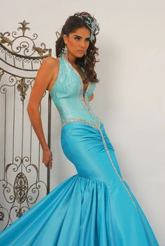 Alberto Rodríguez: Glamour at its best - http://www.quinceanera.com/dresses/alberto-rodriguez-glamour-and-style-for-romantic-quinceaneras?utm_source=pinterest&utm_medium=article&utm_campaign=022315-alberto-rodriguez-glamour-and-style-for-romantic-quinceaneras