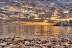 Gli ultimi raggi di sole   Enzo Azzolini #fotografia #sole #mare #tramonto #paesaggio