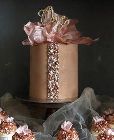 Modern Cakes, Unique Cakes, Elegant Cakes, Creative Cakes, Cupcakes, Cupcake Cakes, Beautiful Birthday Cakes, Beautiful Cakes, Cake Decorating Amazing