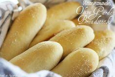 Homemade Olive Garden Breadsticks #Various #Musely #Tip