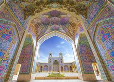 mosque. Iran  |  ピンク・モスク(マスジェデ・ナスィーロル・モスク)(イラン)