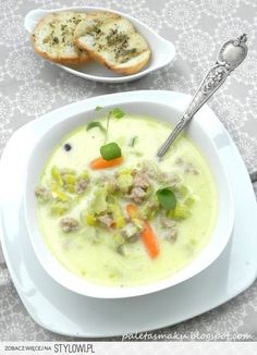 Zupa z porów i mięsa mielonego SKŁADNIKI: 30 dag mielo… na Stylowi.pl Light Soups, Soup Recipes, Healthy Recipes, Carne Picada, Fast Dinners, Paleo, Home Food, Frugal Meals, Special Recipes