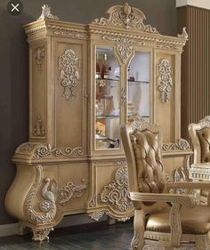 Most unique china cabinet makeover ideas 06 Royal Furniture, Mirrored Furniture, Italian Furniture, Luxury Furniture, Furniture Decor, Furniture Design, Cabinet Furniture, Furniture Layout, Rustic Furniture