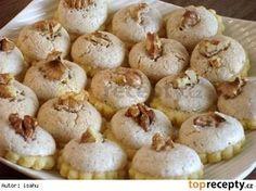 Myslivecké knoflíky Cookie Desserts, Sweet Desserts, Sweet Recipes, Cookie Recipes, Christmas Sweets, Christmas Cooking, Fitness Cake, Czech Recipes, Desert Recipes