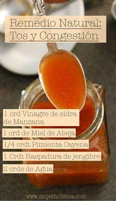 Remedio natural casero para la tos, dolor de garganta y congestión. Disuelve la pimienta cayena y el jengibre en el vinagre de sidra con el agua. Agrega la mezcla en un recipiente de vidrio con tapa, añade la miel y agita bien.  Toma una cucharada 4 veces al día.