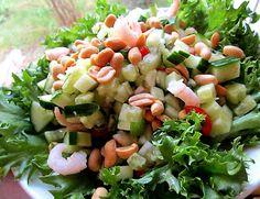 One Night In Bangkok - mandariinipossua ja kurkkusalaattia Pasta Salad, Cobb Salad, One Night In Bangkok, Kinds Of Salad, First Night, Food Art, Salads, Ethnic Recipes, Green