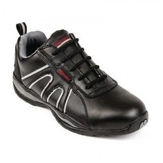 Zapatos de Seguridad Sport. Zapato cómodo, moderno y práctico, perfecto para usar de forma cotidiana tanto dentro como fuera del trabajo. Parte superior en cuero de gran duración, puntera reforzada y suelas antiestáticas, resistentes al calor y a los resbalones.Tallas disponibles: De la 36 a  la 47. http://www.ilvo.es/10654-zapatos-de-seguridad-sport.html