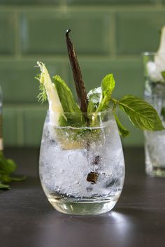Fennel Gin and Tonic Recipe - Great British Chefs Gin Recipes, Gin Cocktail Recipes, Summer Cocktails, Flavoured Gin, Yes Way Rose, Frozen Rose, Great British Chefs, Christmas Cocktails, Valentines Food