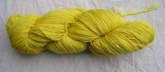 Wool yarn. Nispero