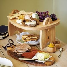 Pebble Antipasti Platter - perfect for dinner parties and for displaying food!me/annnewnes Woodworking Furniture, Woodworking Projects, Wood Crafts, Diy And Crafts, Antipasti Platter, Wooden Platters, Sharing Platters, Grill Party, Wooden Chopping Boards