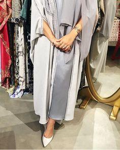 IG: Juwaherh    Abaya Fashion    IG: Beautiifulinblack